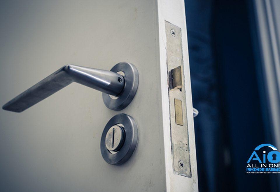 5 door lock issues feature