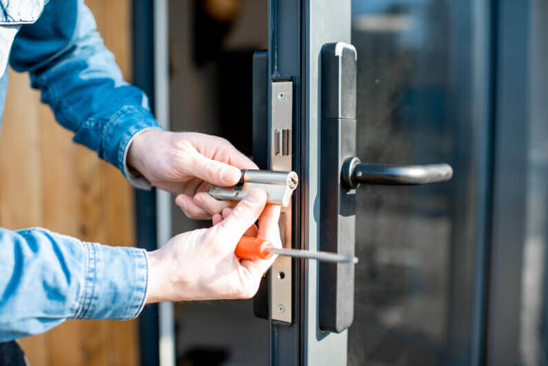 Key Questions You Should Ask Before Hiring a Locksmith